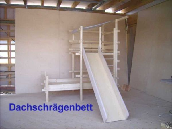 kleiner k ptn hochbett kinderbett f r dachschr gen. Black Bedroom Furniture Sets. Home Design Ideas