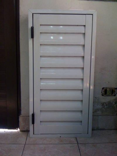 Fabrica de ventanas de aluminio postigones for Fabrica de aberturas de aluminio