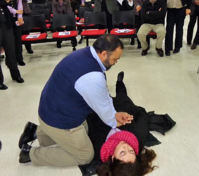 Chile: Funcionarios del IPS Maule aprendieron, técnica de la reanimación cardiopulmonar.