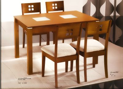 Alcomobel muebles y colchoner a al mejor precio en for Modelos de mesas de comedor de madera