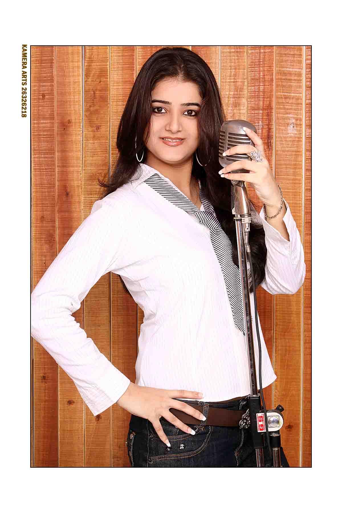 Pooja Bedi  Anchor Female, Emcee Delhi