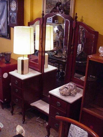 Anticuario en Bogota Antiguedades en bogota Juguetes antiguos Arte ...