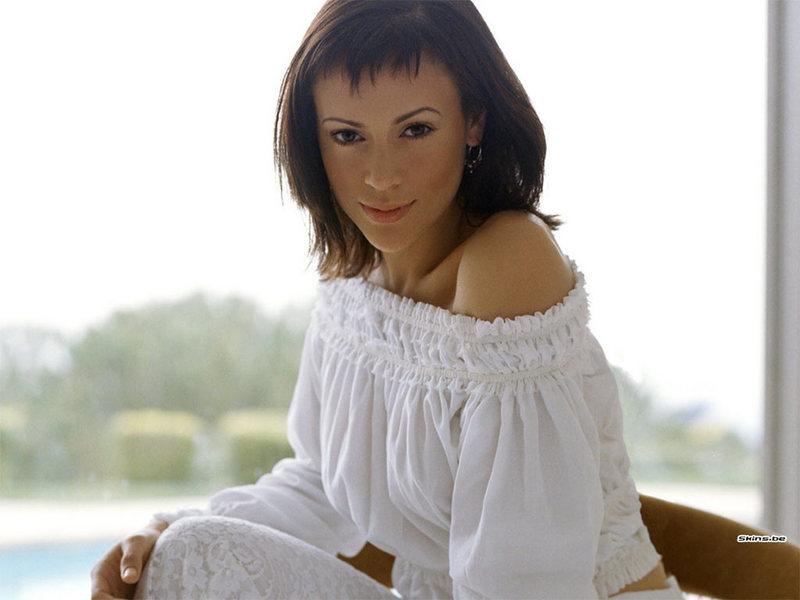 Alyssa Milano nackt, Oben ohne Bilder, Playboy Fotos,