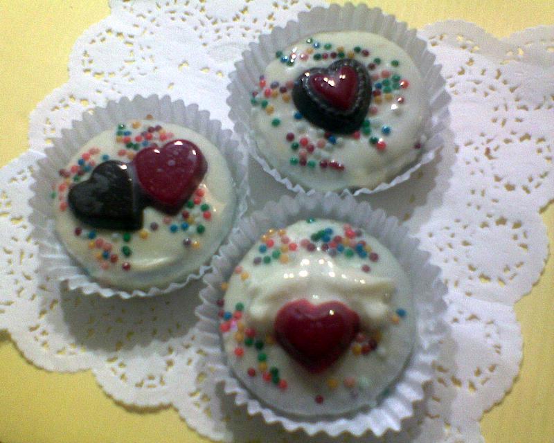 Baño Blanco Para Alfajores:Alfajores rellenos con delicioso manjar en baños de chocolate blanco