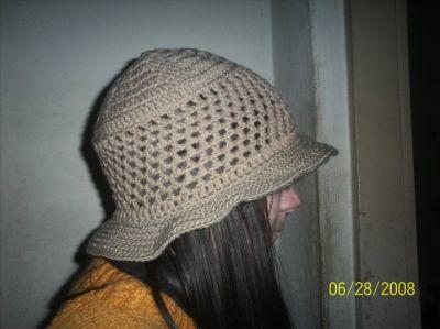 Gorros tejidos en lana o hilo en diferentes colores, modelos y