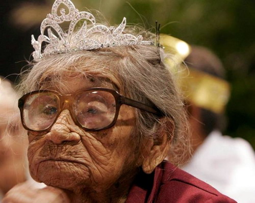imagenes - graciosas - viejita reina