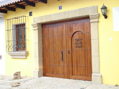 Disarco carpinter a en casa de la antigua guatemala for Casa minimalista guatemala
