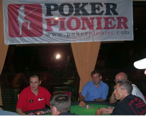poker verein in nrw poker forum alle infos und tips in unserem pokerforum pokernews. Black Bedroom Furniture Sets. Home Design Ideas