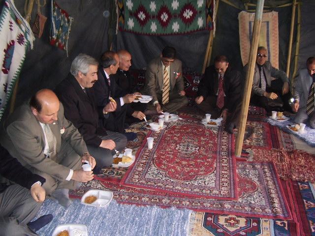 nevruz çadırında, yemek, pilav