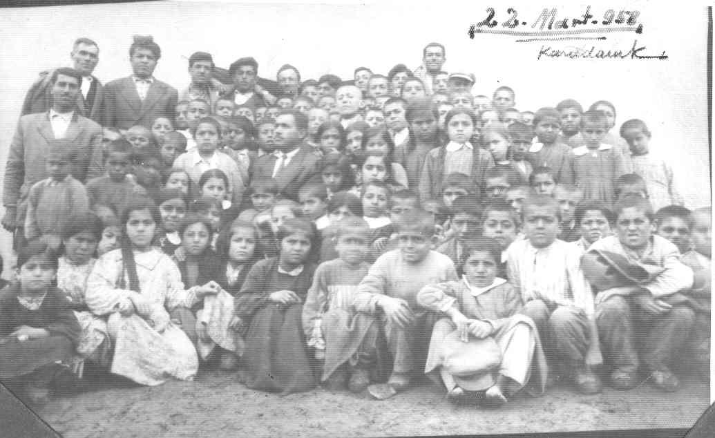 22 mart 1958 karadoruk ilkokulu talebeleri
