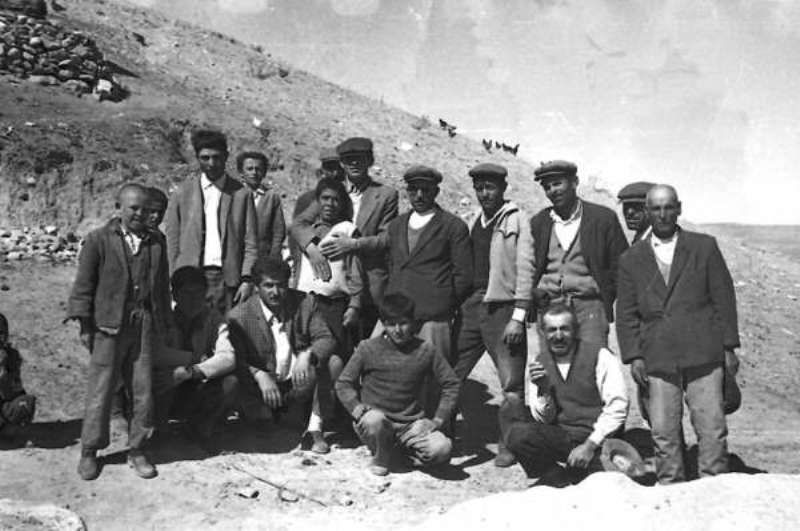 Karadoruk köylüleri ve toplu bir hatıra resmi