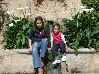Carla y Nuria(josebl)nuestra family