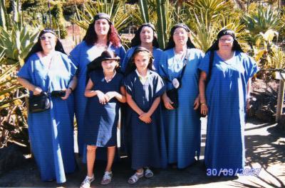 Anita, Rocío, Ana, Francisca, Josefa y las niñas Rebeca y Sara(TejeroAvellaneda)