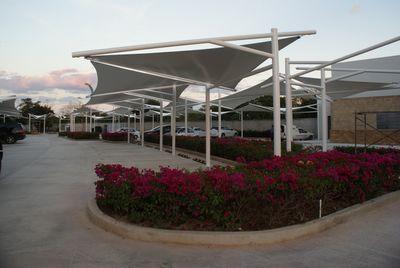 Herreria y estructuras metalicas techos tapancos y velarias for Toldos para estacionamiento