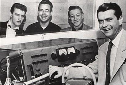 Elvis Presley, Bill Black, Scotty Moore et Sam Phillips