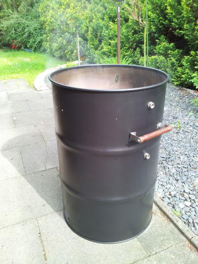 justmade ugly drum smoker. Black Bedroom Furniture Sets. Home Design Ideas