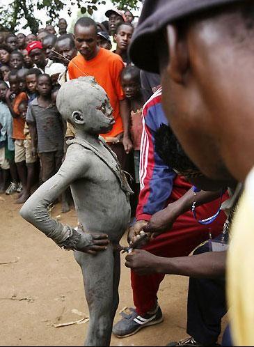 kenya da erkek çocuk sünneti