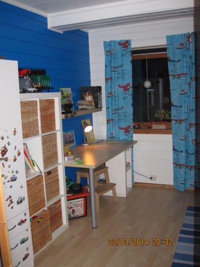 4 sachsen in norge neuer fussboden fuer die kinderzimmer. Black Bedroom Furniture Sets. Home Design Ideas