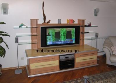 Под телевизор практично и удобно
