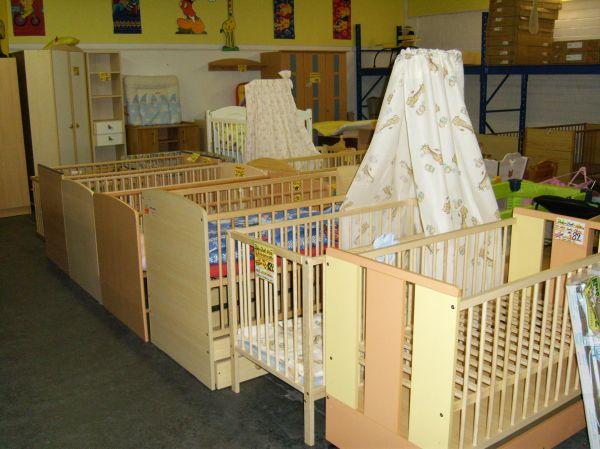 m bel sonderposten baby zimmer. Black Bedroom Furniture Sets. Home Design Ideas