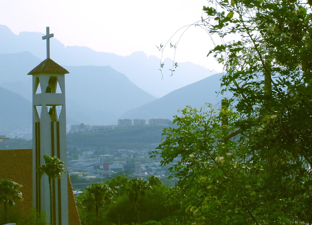 Monterrey ciudad de las monta as zona contry cerro de for Sillas para iglesias en monterrey