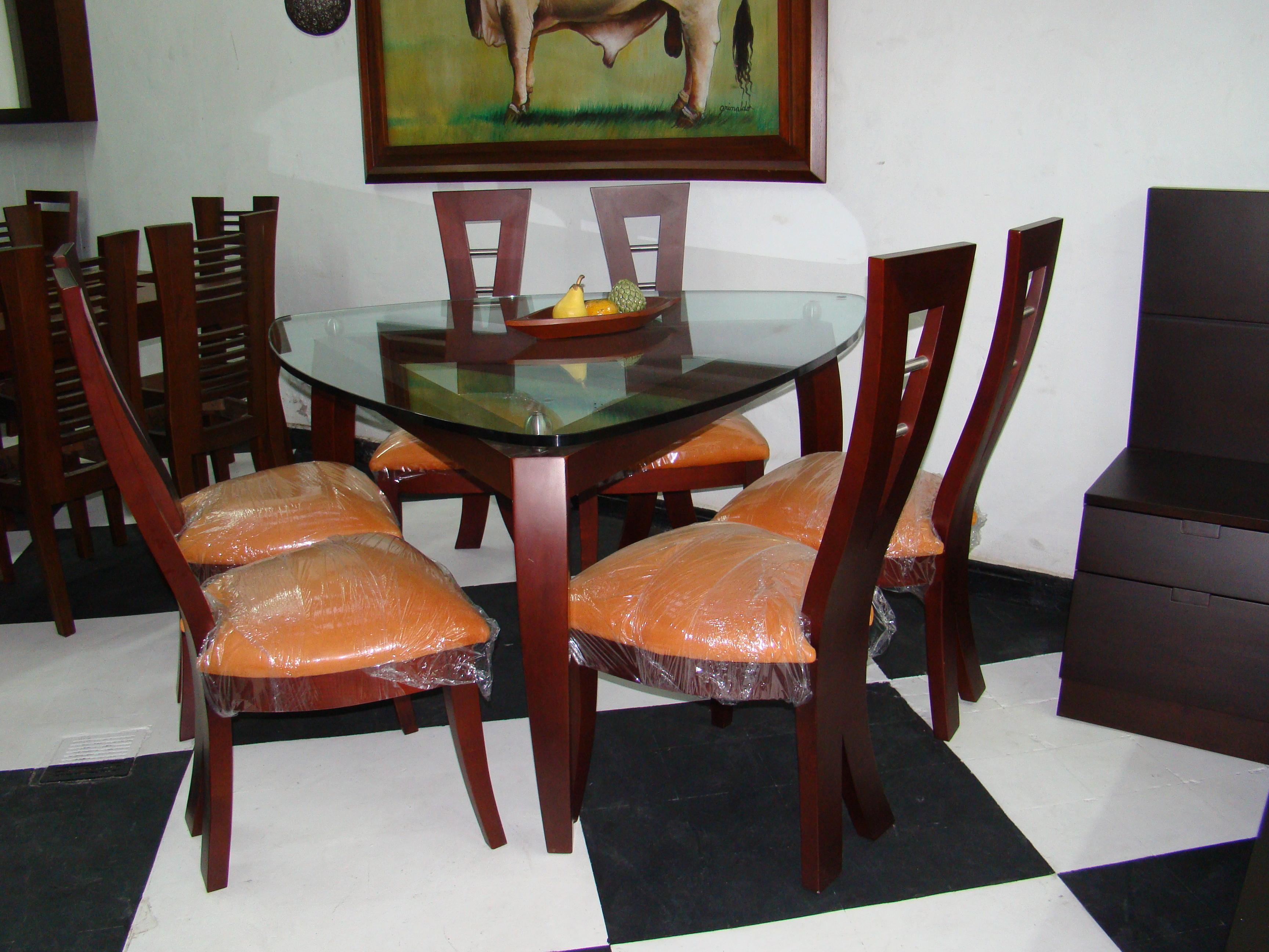 Muebles modercol catalogo de productos for Comedor triangular