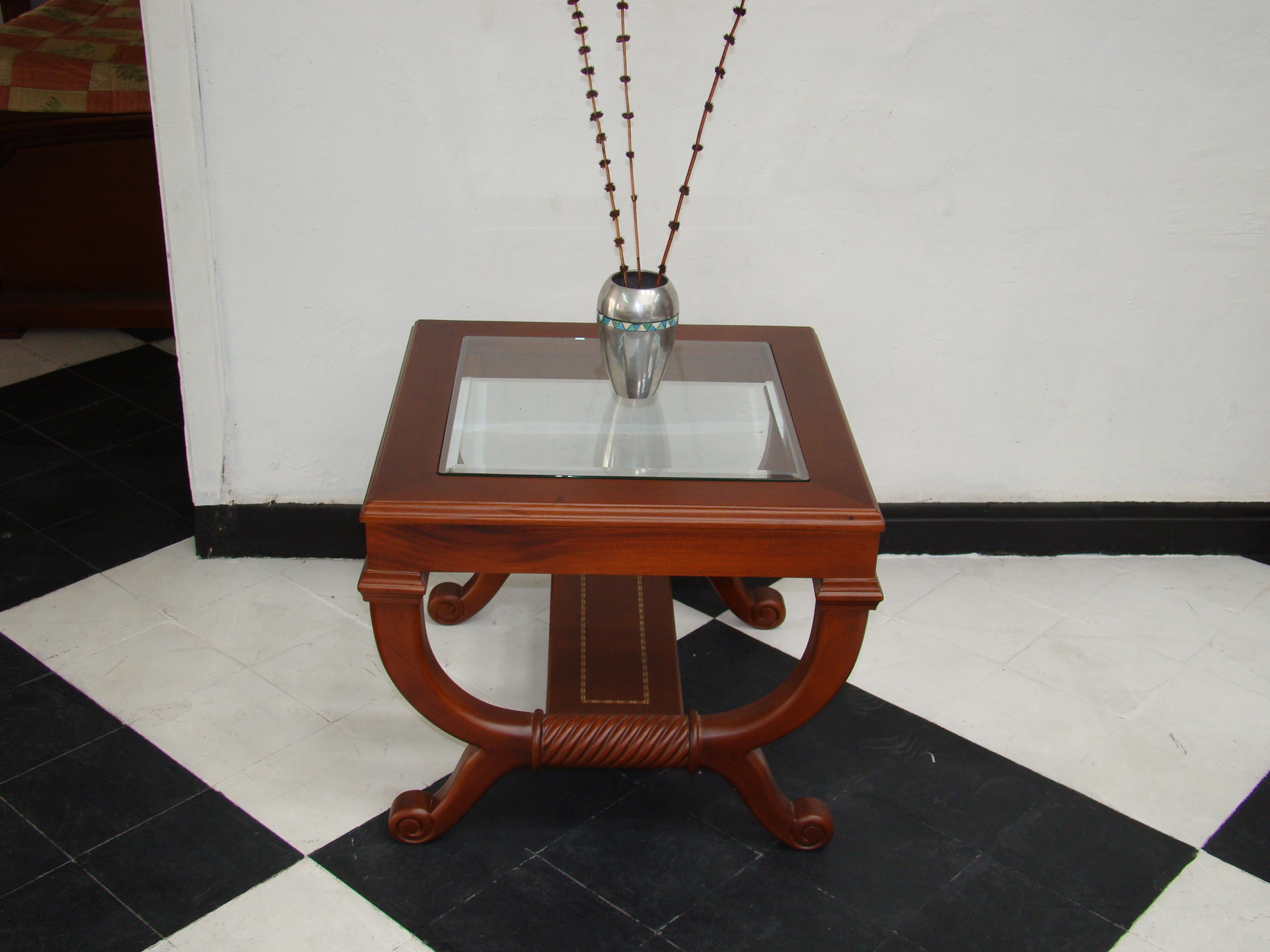 Mesas centro para sala for Mesas de madera para sala