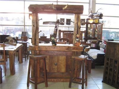 Roble viejo bares for Disenos de bares rusticos para casas