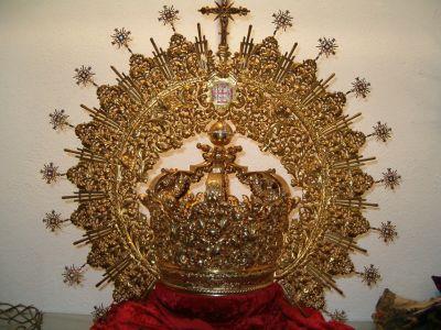 Corona de plata sobredorada realizada en 1993 por Orfebrería Triana (Sevilla)