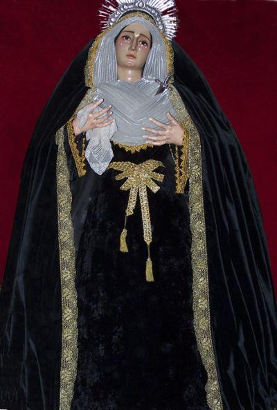 La Virgen de los Dolores de luto en 2006