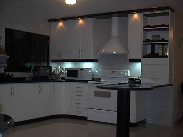 Nicktop cocinas empotradas for Disenos de cocinas empotradas