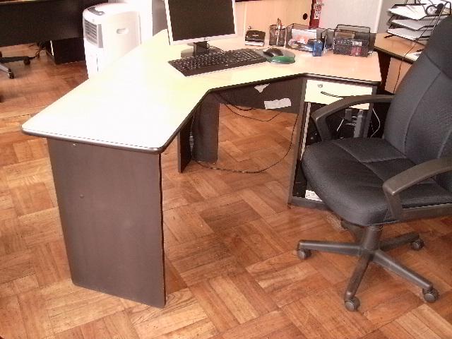 Muebles De Oficina Escritorios Sillas Sillones Kardex Rack Servidores