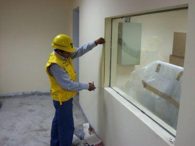 Protecci n rayos x vidrio emplomado for Modelos de comedores de vidrio