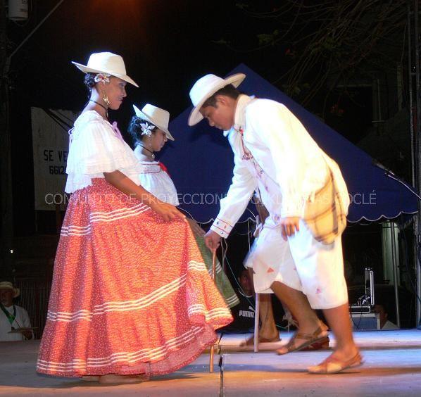 Pareja acompañantes independientes baile