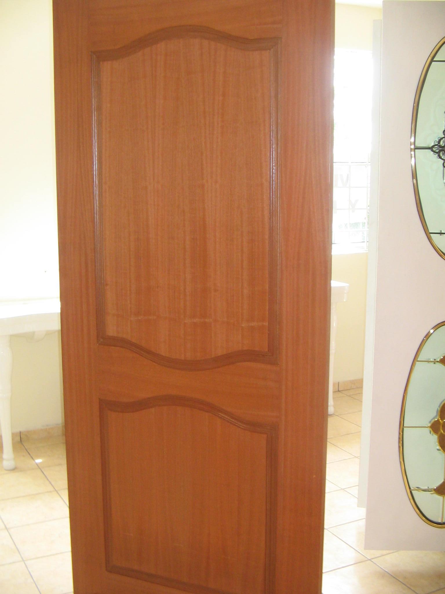 Puertas con y sin vitral for Puertas con vidrieras decorativas