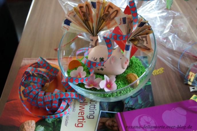 http://img.webme.com/pic/r/roxana-dellamorte/geschenk-19-bday-4.jpg
