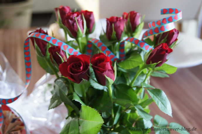 http://img.webme.com/pic/r/roxana-dellamorte/geschenk-19-bday-5.jpg