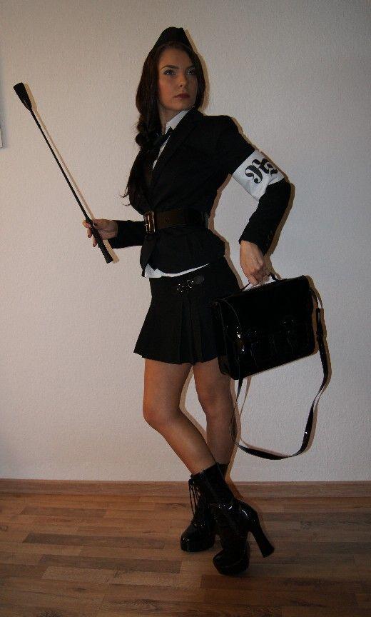 http://img.webme.com/pic/r/roxana-dellamorte/htgaml-2.jpg