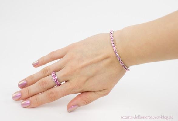 http://img.webme.com/pic/r/roxana-dellamorte/ring-armband2.jpg