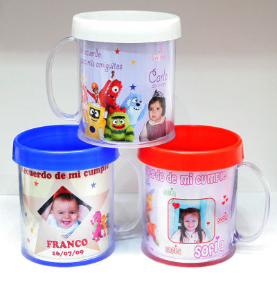 tazas plasticas infantiles transportes de paneles de madera
