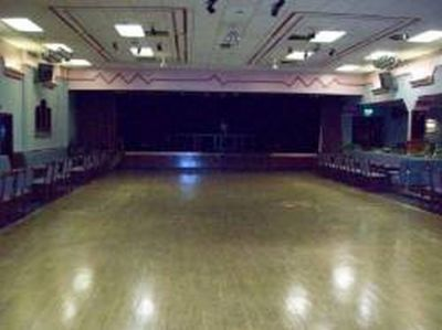 concert_room_stage_main1.jpg