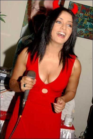 Image Result For Trisha Krishnan Sexy Video