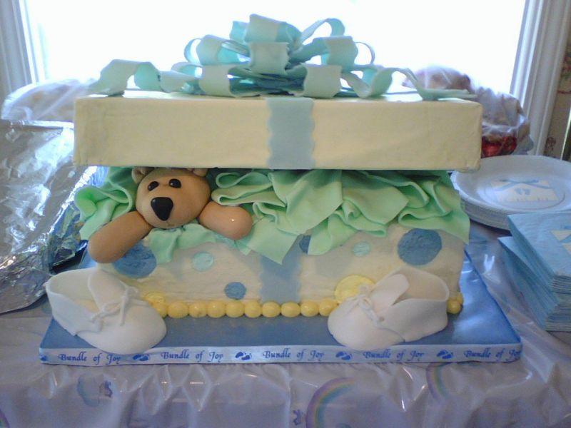 Torta con decoraciones de Pirulin y Dandy.   Delicias