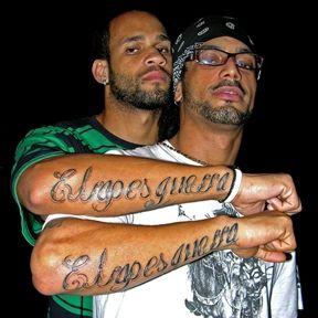 El B (detrás) y Aldo - Los Aldeanos