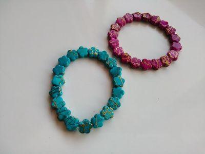 Pulsera elástica de piedras (puede ser de un solo color o mezclada los colores son fusia y azul turquesa) 3 \u20ac