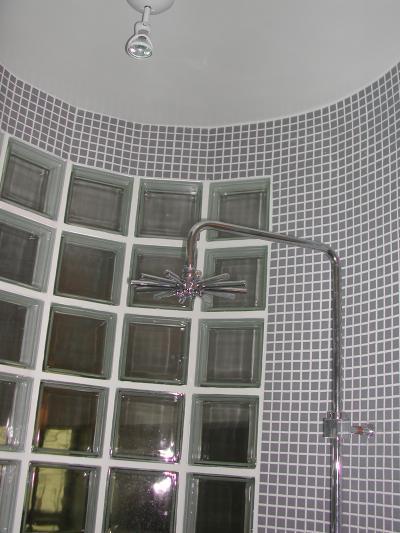 histoire d 39 interieur salle de bains et dressing dans un loft parisien. Black Bedroom Furniture Sets. Home Design Ideas