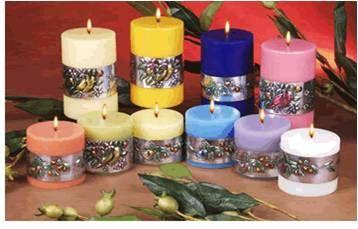 Velas Aromáticas Preciosas velas aromáticas personalizables en colores y aromas. Contamos con gran variedad de velas de parafina, ideales para regalos empresariales, decoración, o bien para una sesión de relajación con aromaterapia.