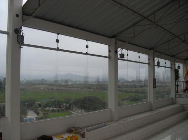 Vidrios espejo ventanas - Puertas de piso a techo ...