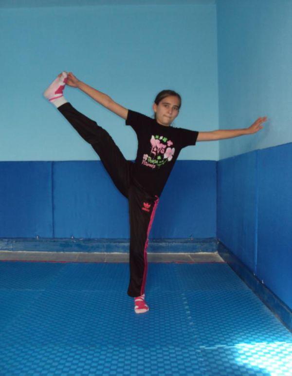 yedur. temel cimnastik duruşları JİMNASTİK DURUŞLARI