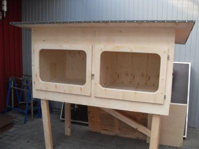 aussenstall von jack und josie. Black Bedroom Furniture Sets. Home Design Ideas